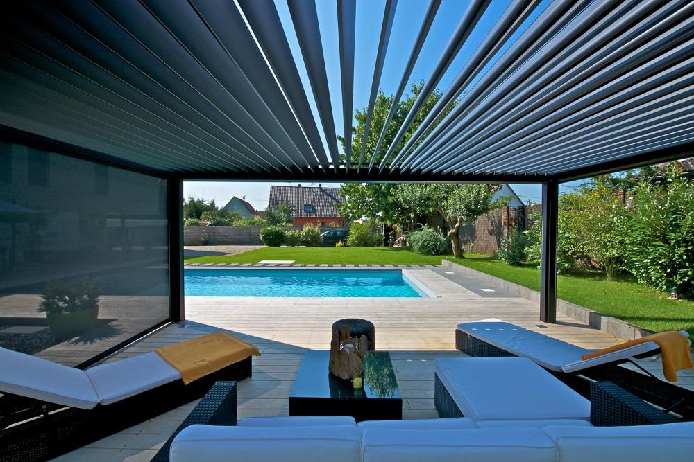 Lamellendach als Balkon- oder Terrassenüberdachung